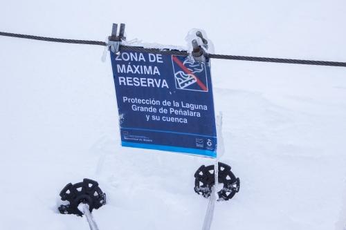 Aviso de protección en la laguna de Peñalara