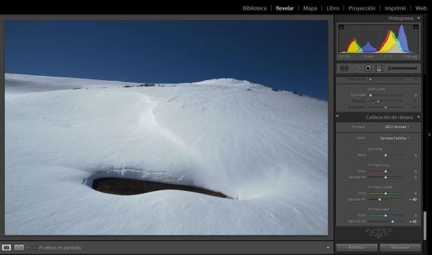 (Fotografía en LR con 4700K de temperatura y ajuste de matiz a +10 y de calibración de la cámara que más se acerca a DPP)