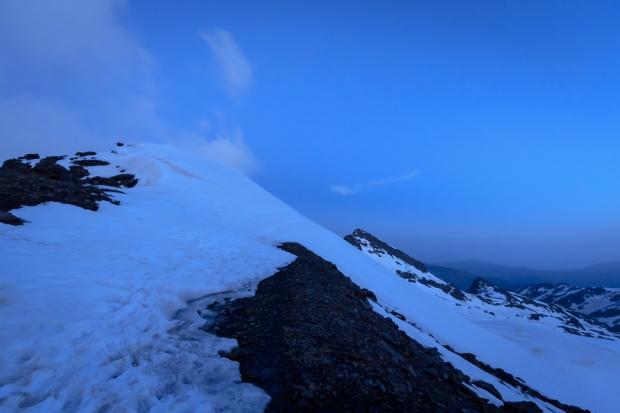 Un poco más adelante, último paso de nieve complicado antes de llegar a la puerta de los raspones (Ruta río Seco #9)