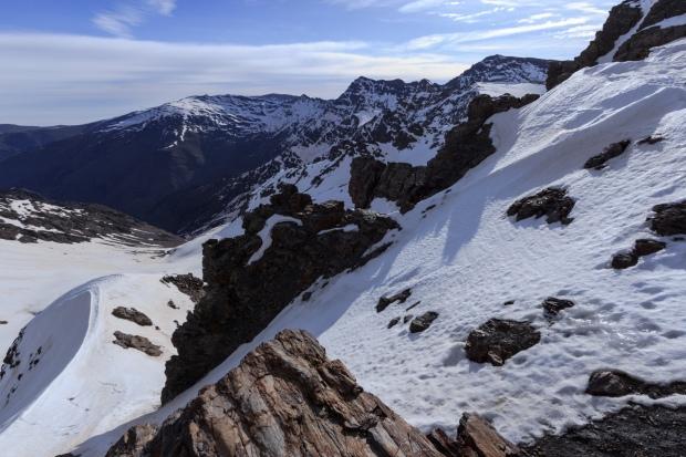 Mulhacén, La Alcazaba, Puntal de Vacares y otras cimas orientales desde el Collado del Lobo (Ruta río Seco #30)