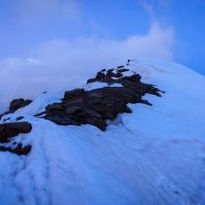 Paso de nieve al atardecer antes de llegar a la puerta de los raspones, Sierra Nevada (Río seco #10, privamera 2014)