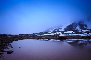 (Brumas de montaña III - #1, Sierra Nevada, primavera 2014) Lagunillo de la Calderilla