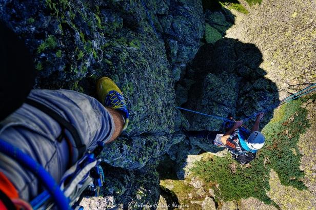 Ascenso por la cresta del pulmón izquierdo, Cabezas de Hierro. Sierra de Guadarrama, verano 2017